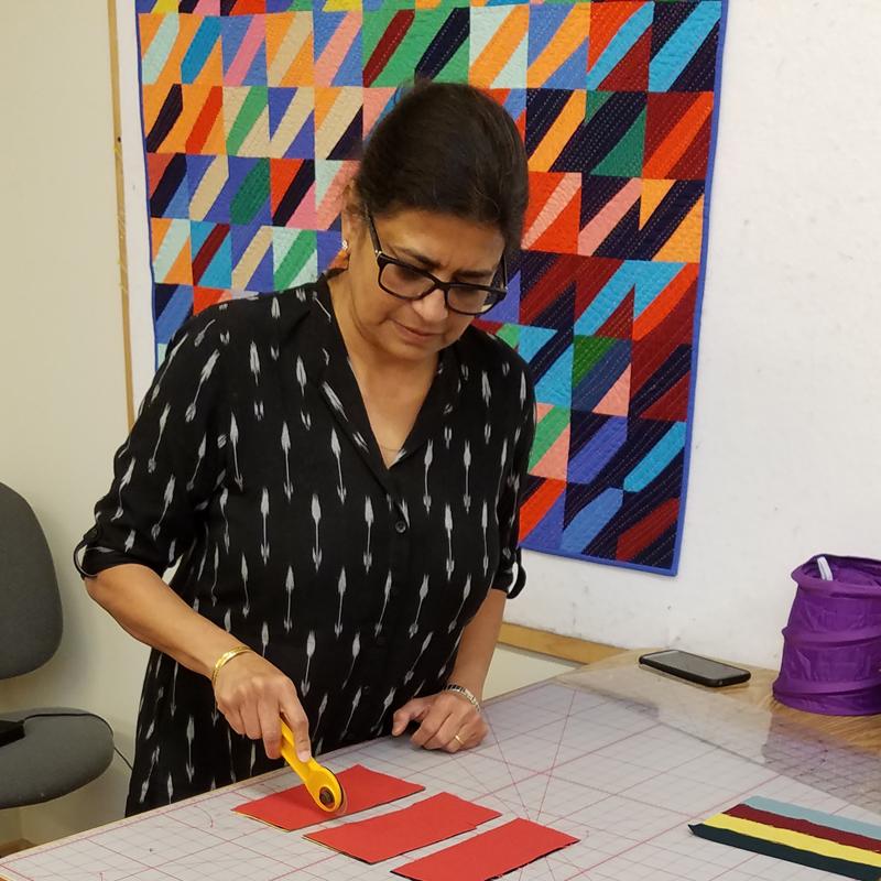 Sujata Shah showing cutting techniques