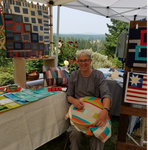 hand quilting during port townsend studio tour Marla Varner, penny lane quilts